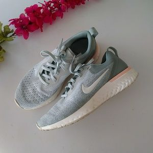 Nike Odyssey Gray Pink Running Shoes Size 7.5